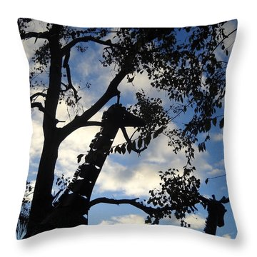 Throw Pillow featuring the photograph Giraffe En Sillouette by Kristen R Kennedy