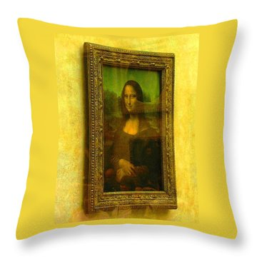 Glance At Mona Lisa Throw Pillow