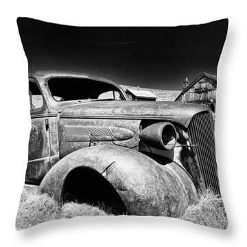 Goin' Nowhere Throw Pillow by Cat Connor