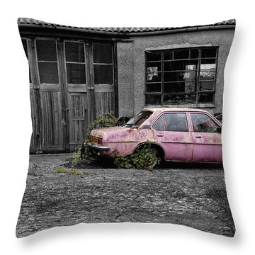 Good Little Runner Throw Pillow