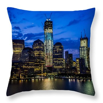 Good Night, New York Throw Pillow