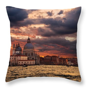 Gorgeous Sunset Over Grand Canal In Venice Throw Pillow