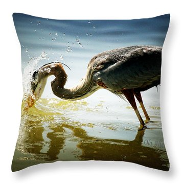 Throw Pillow featuring the photograph Got You by Ola Allen