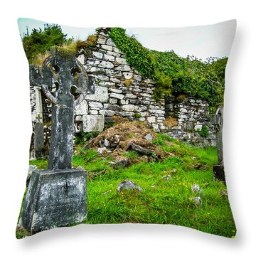 Graveyard And Church Ruins On Ireland's Mizen Peninsula Throw Pillow
