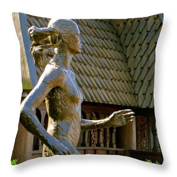 Throw Pillow featuring the photograph Grete Waitz Sculpture by Joy Hardee