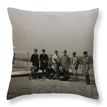 The Wright Brothers Group Portrait In Front Of Glider At Kill Devil Hill Throw Pillow