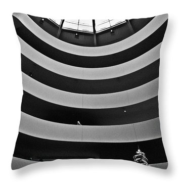 Guggenheim Museum - Nyc Throw Pillow