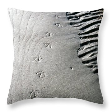 Gull Prints Throw Pillow