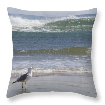 Gull With Parallel Waves Throw Pillow