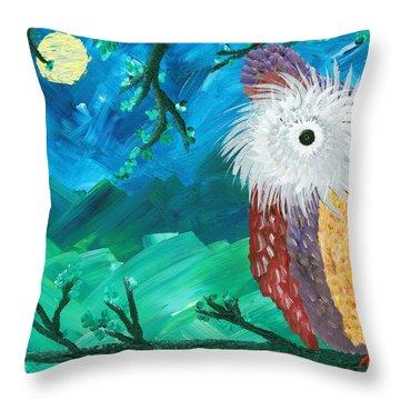 Half-a-hoot 01 Throw Pillow