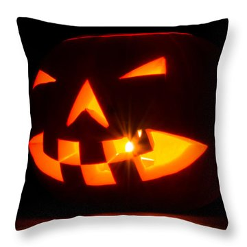 Halloween - Smiling Jack O' Lantern Throw Pillow