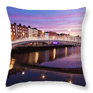 Hapenny Bridge At Dawn - Dublin Throw Pillow