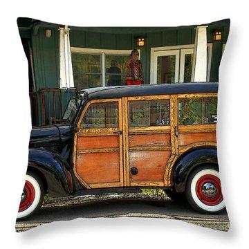 Hawaiian Woody Throw Pillow