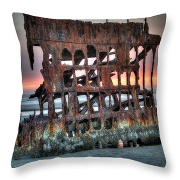 Hdr Peter Iredale Throw Pillow