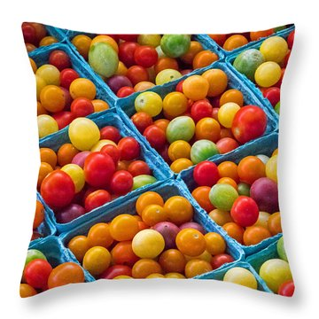Healthy Tomatoes Throw Pillow