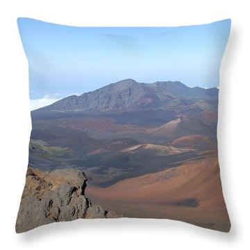 Heleakala Volcano In Maui Throw Pillow by Richard Reeve