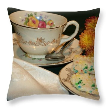 Her Best China Throw Pillow