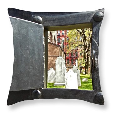 Throw Pillow featuring the photograph Hidden New York by Joan Reese