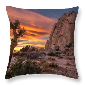 Hidden Valley Rock - Joshua Tree Throw Pillow