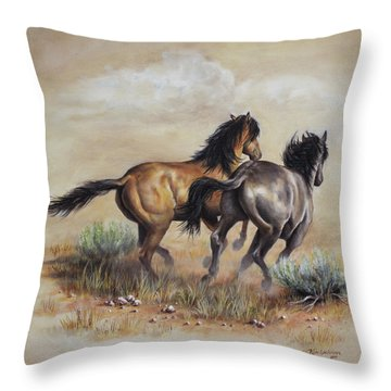 High Tailin' It Throw Pillow