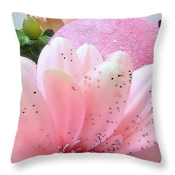 Holiday Pink Daisy  Throw Pillow