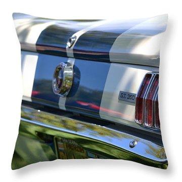 Throw Pillow featuring the photograph Hr-22 by Dean Ferreira