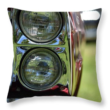 Throw Pillow featuring the photograph Hr-46 by Dean Ferreira