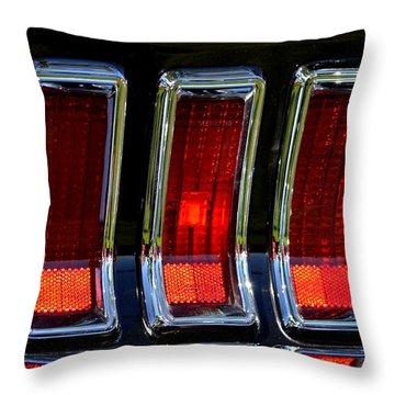 Hr-6 Throw Pillow by Dean Ferreira