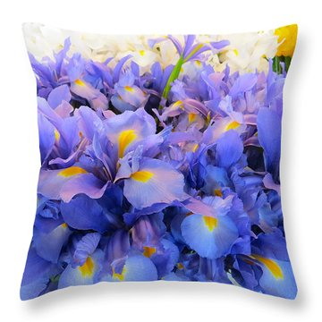 Huddling Iris Throw Pillow
