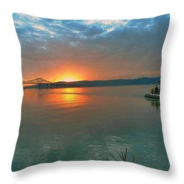 Hudson River Sunset Throw Pillow