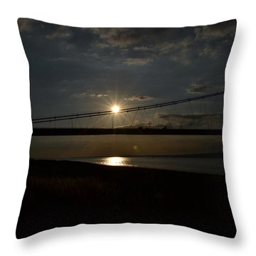 Humber Bridge Sunset Throw Pillow
