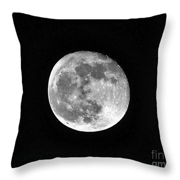 Hunters Moon Throw Pillow by Al Powell Photography USA