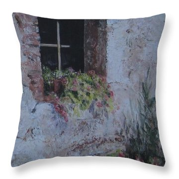 I Still Get Flowers Throw Pillow