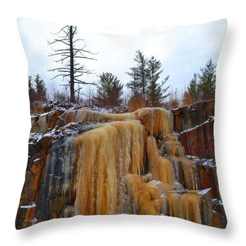 Throw Pillow featuring the photograph Ice On The Rock Cut 2  by Lyle Crump