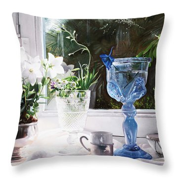Il Calice Blu Throw Pillow