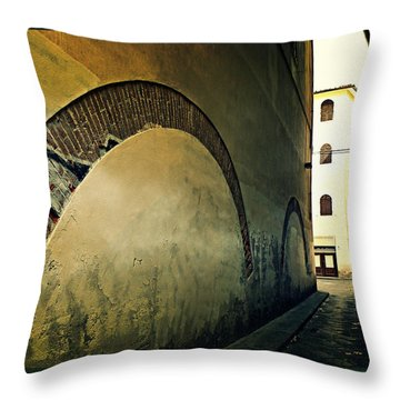 Il Muro  Throw Pillow by Micki Findlay