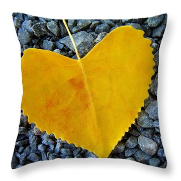 In Love ... Throw Pillow by Juergen Weiss