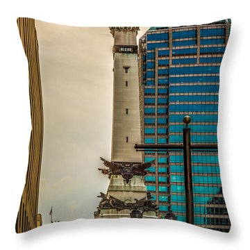 Indiana - Monument Circle With State Capital Building Throw Pillow