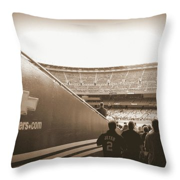 Throw Pillow featuring the photograph Inside The Cathedral Of Baseball by Aurelio Zucco