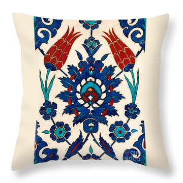 Iznik 03 Throw Pillow
