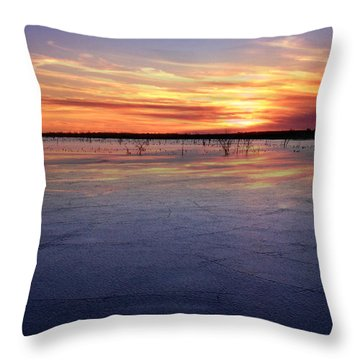 January Sunset At El Dorado Lake Throw Pillow