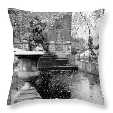 Jardin De Medicis Paris Throw Pillow