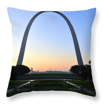 Jefferson National Expansion Memorial Throw Pillow