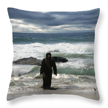 Jesus Christ- Behold I Come Quickly Throw Pillow