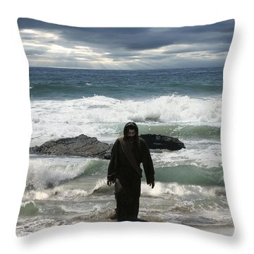 Jesus Christ- Look I Am Coming Soon Throw Pillow