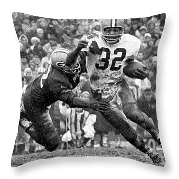 Jim Brown #32 Throw Pillow