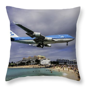 K L M Landing At St. Maarten Throw Pillow by David Gleeson