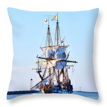 Kalmar Nyckel Tall Ship Throw Pillow