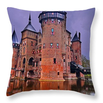 Kasteel De Haar Throw Pillow