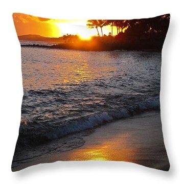 Throw Pillow featuring the photograph Kauai Sunset by Shane Kelly